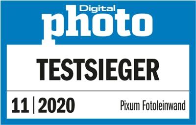"""Testsiegerlogo von Digital Photo für """"Pixum Fotoleinwand"""" 11/2020"""